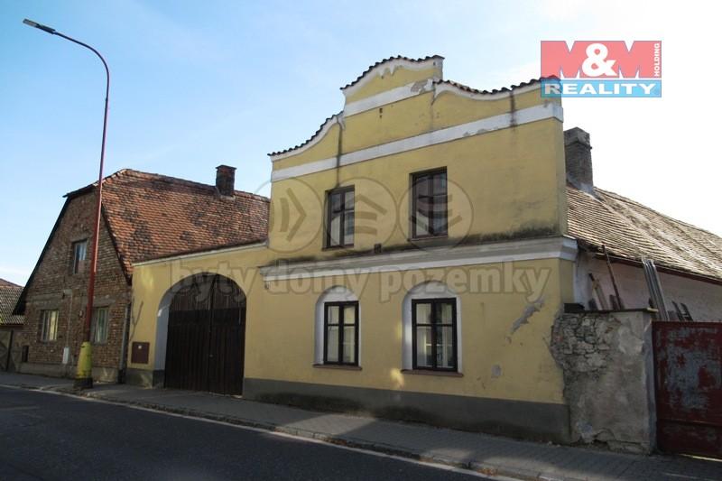 Prodej, rodinný dům, 829 m2, Sezemice - ul. Pernštýnská