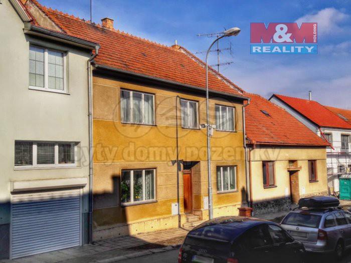 Prodej, rodinný dům 5+2, 719 m2, Šlapanice