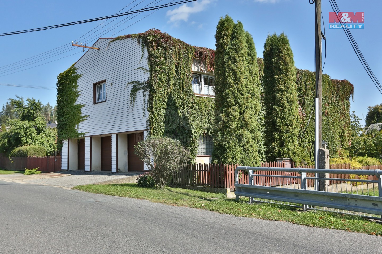 Prodej, rodinný dům 6+2, 1399 m2, Halže