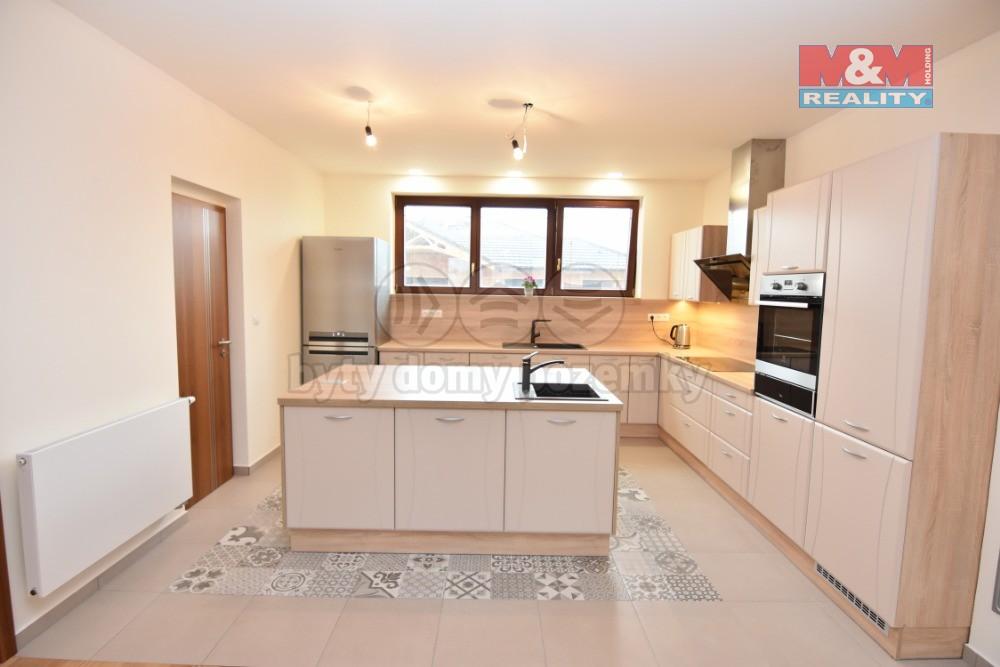 Prodej, rodinný dům 6+kk, 280 m2, Úvaly