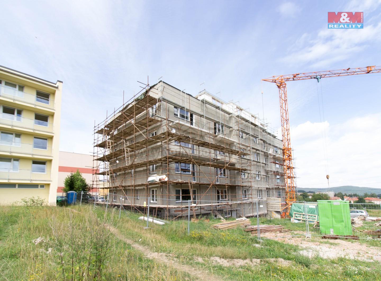 Prodej, byt 2+kk, 41 m2, Jince, ul. Zborovská
