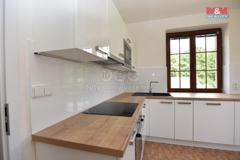 Prodej, rodinný dům 6+1, 1131 m2, Horní Kalná
