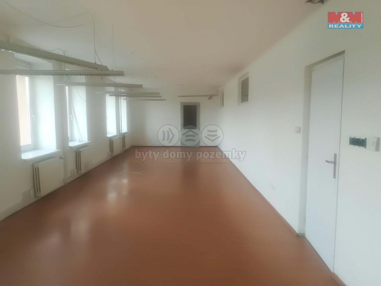 Pronájem, kancelářský prostor, 72 m2, Zlín - Malenovice