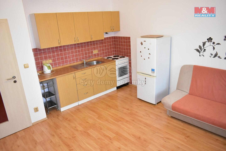 Pronájem, byt 3+kk, Pardubice, ul. Pichlova, parkovací stání