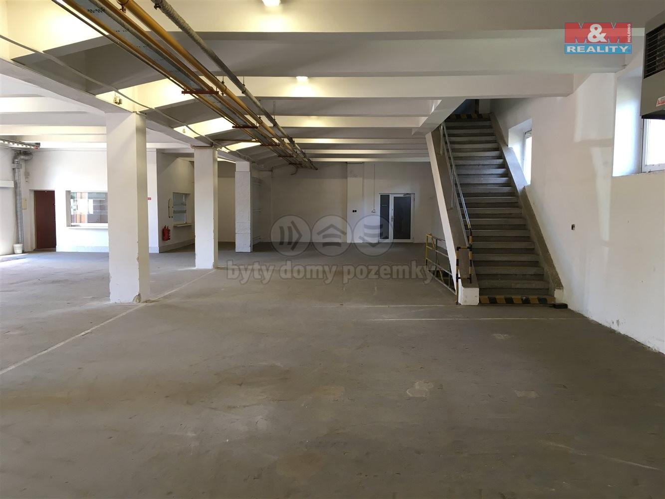 Pronájem, skladové prostory 1451 m2, Horní Heršpice