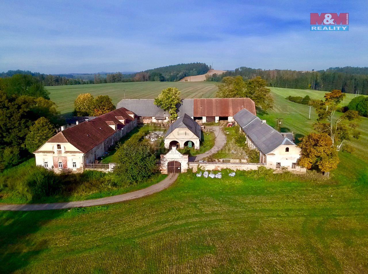 Prodej, rodinný dům, 10.838 m2, Želiv