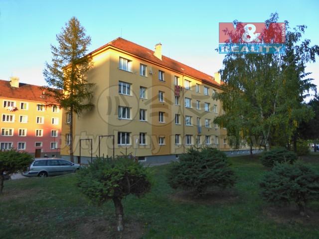 dům ze západní strany (Prodej, byt 2+kk, 50 m2, DB, Roudnice nad Labem, ul. Čechová)