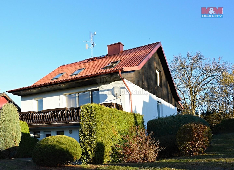 Prodej, rodinný dům 8+3, 1630 m2, Stará Voda
