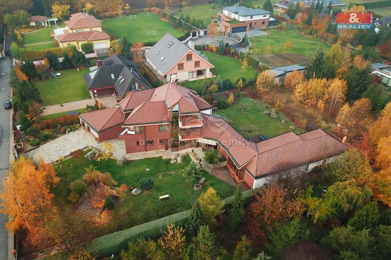 Pohled zhora (Prodej, vila, 1500 m2, Jesenice - Osnice), foto 1/29
