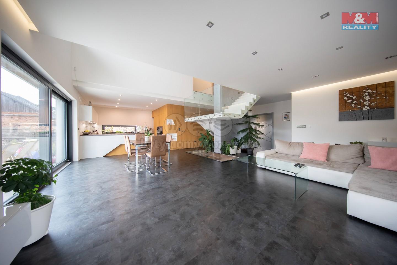 (Prodej, rodinný dům 5+kk, 448 m2, Olomouc - Nedvězí)