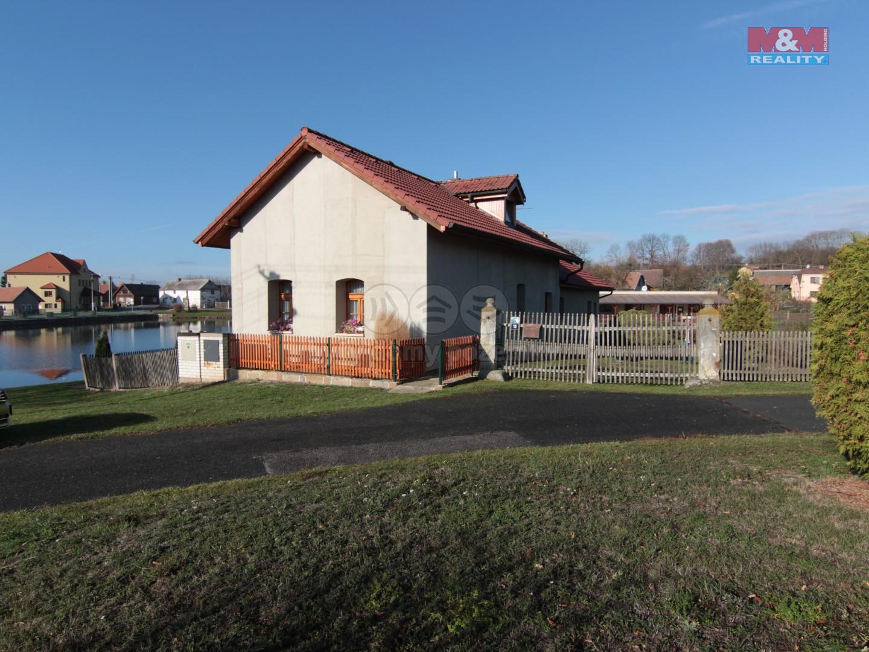 Prodej, rodinný dům, 4+1, 260m2, Vinary