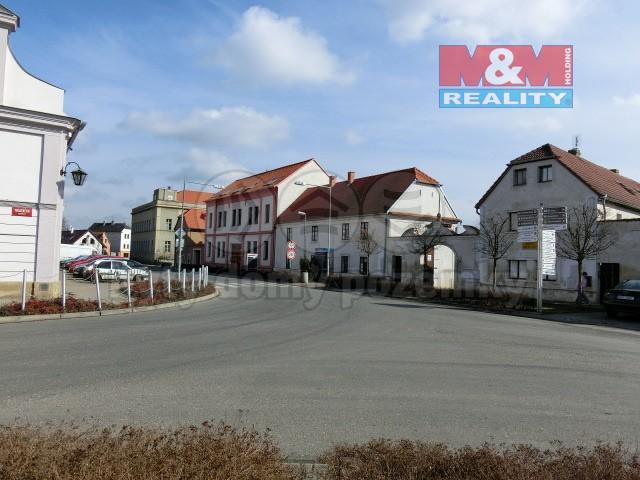 Pronájem, byt 2+1, 70 m2,III.NP, Brozany nad Ohří