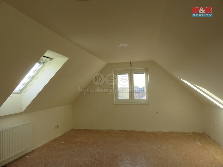 Prodej, rodinný dům 5+2, Podivín