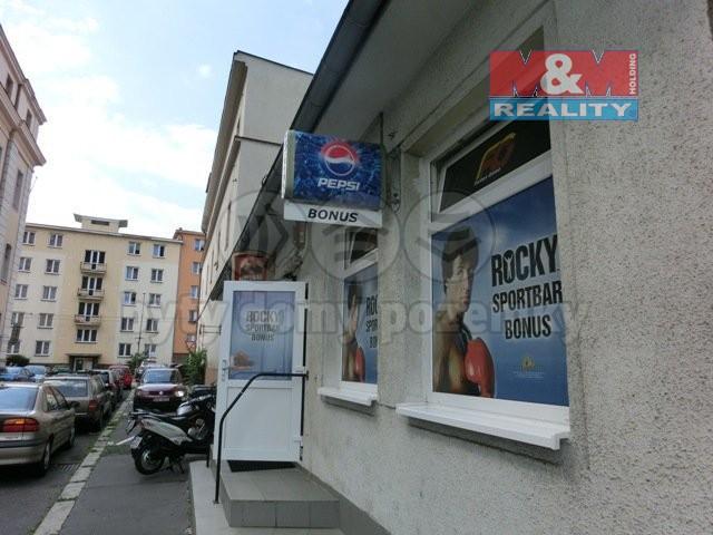 pohled na budovu (Pronájem, obchodní prostor, 120 m2, Ústí n. L. ul. Spojovací), foto 1/9