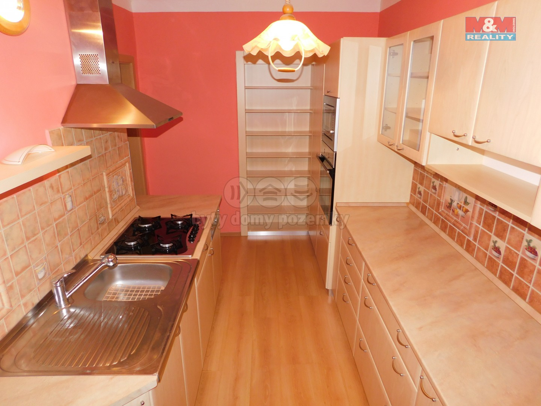 Prodej, byt 2+1, 64 m2, OV, Ostrov, ul. Myslbekova