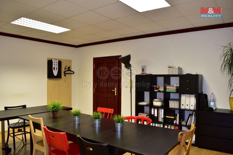 Pronájem, kancelářský prostor, 24 m2, Zlín, ul. Lešetín