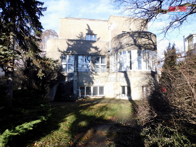 pohled ze zahrady (Pronájem, kancelářské prostory, 550m2, Praha 10 - Vršovice), foto 1/25