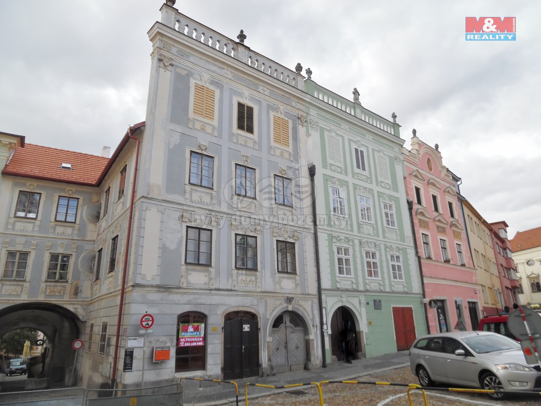 (Pronájem, byt 3+1, Jindřichův Hradec - nám. Míru)