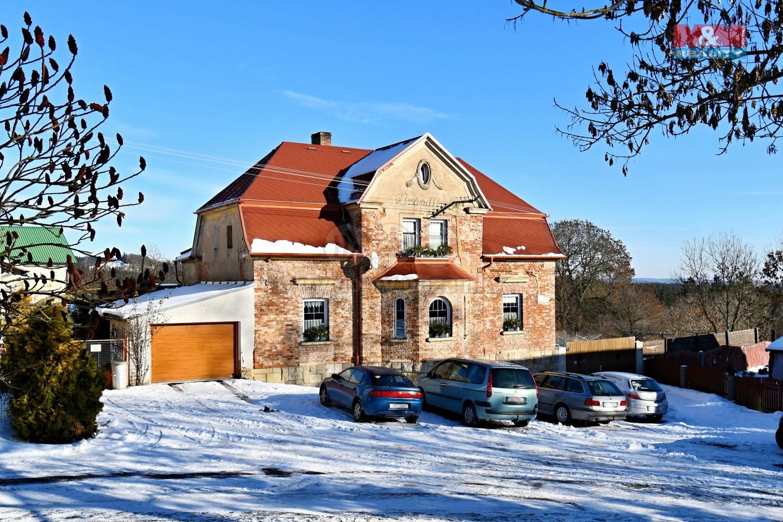 Prodej, rodinný dům 5+1, 3892 m2, Beroun u Teplé