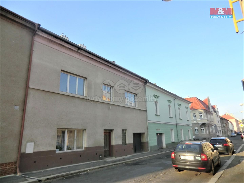 ulice (Prodej, rodinný dům, 200 m2, Duchcov, ul. Jungmannova), foto 1/23