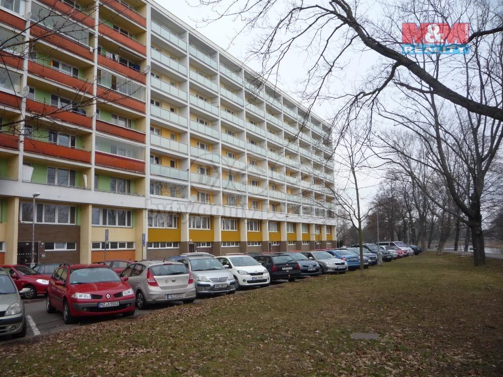 Pohled na dům (Prodej, byt 3+1, Hradec Králové, ul. Smetanovo nábřeží)