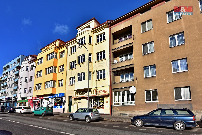 Pohled na dům  (Pronájem, byt 1+kk, Mladá Boleslav, ul. náměstí Republiky)