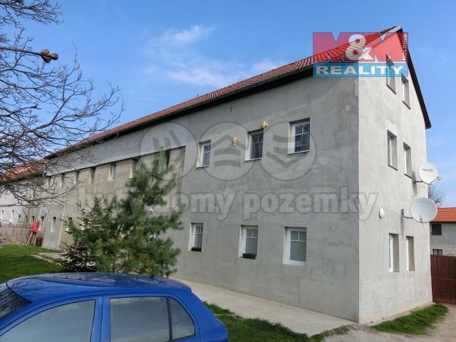 Hlavní pohled. (Prodej, byt 2kk, III.NP, 50 m2, OV, Brozany nad Ohří), foto 1/8