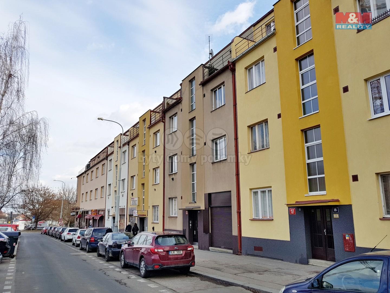Bytový dům (Pronájem, byt 1+1, 50 m2, Praha 6 - Vokovice, ul. Kladenská), foto 1/10
