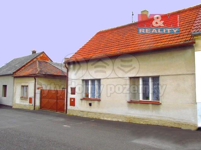 Prodej, rodinný dům 4+2, dva domy, 1120 m2, Malé Žernoseky