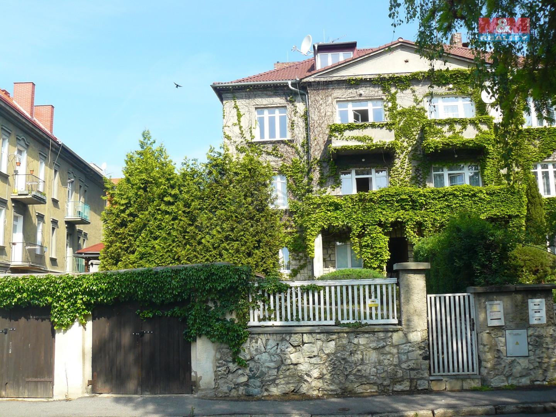 Prodej, rodinný dům 8+3, 1116 m2, Teplice, ul. P. Holého