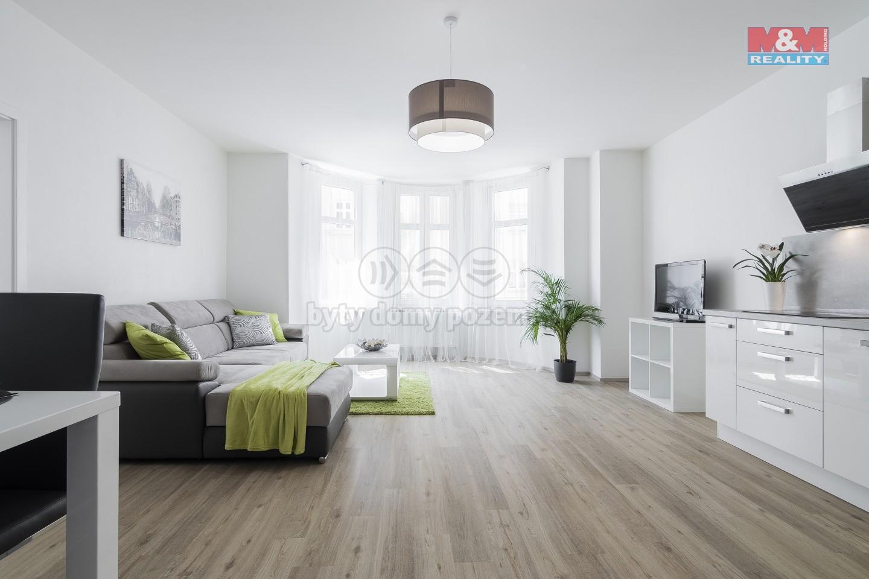 obývací pokoj s kuchyní (Prodej, byt 3+kk, 97 m2, Plzeň, ul. Dobrovského byt č. 6), foto 1/16