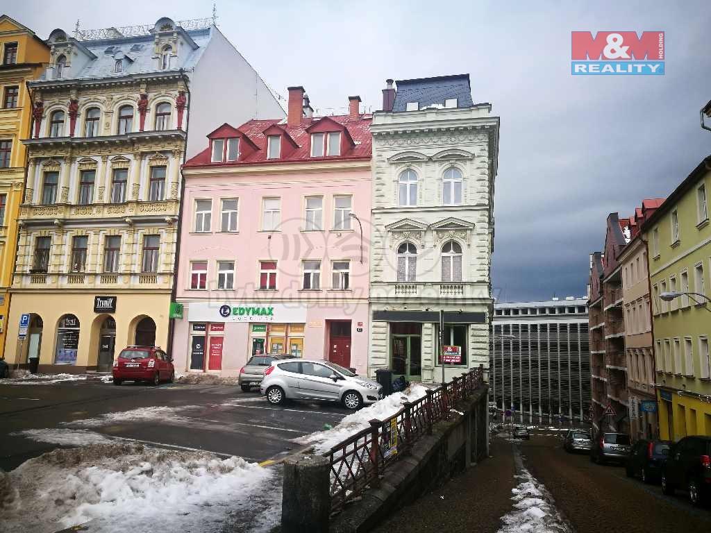 Pohled na dům (Pronájem, obchod, Liberec, nám. Sokolovské)