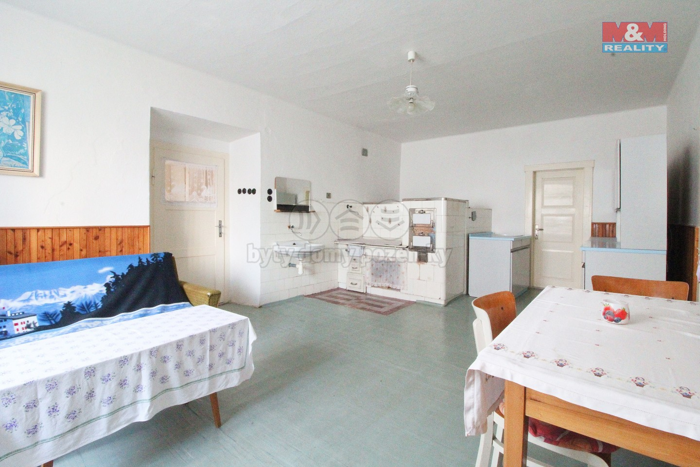 Prodej, rodinný dům 4+1, 3113 m2, Bezděkov - Hradiště