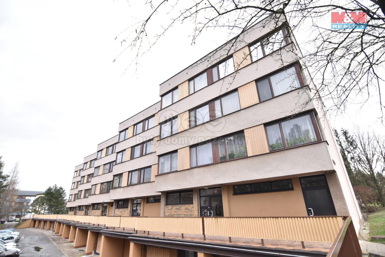 (Pronájem, byt 1+kk, 53 m2, Hradec Králové, ul. Pod Zámečkem)