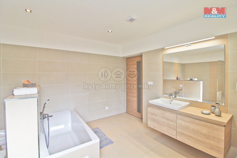 Prodej, rodinný dům 6+1, 447 m2, Nýřany, ul. Benešova třída