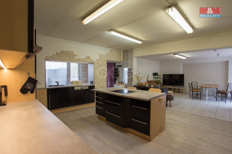 Prodej, rodinný dům 6+kk, 1334 m2, Ostrovačice