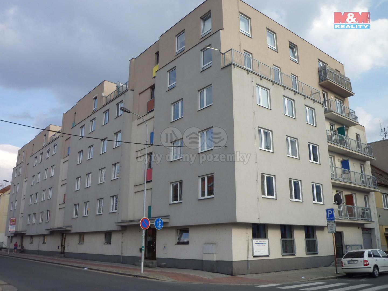 Pronájem, byt 2+kk, Pardubice, ul. Milheimova