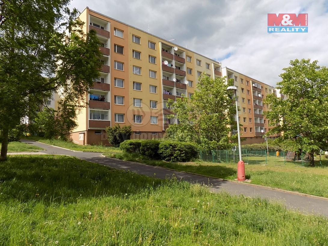 pohled na dům (Prodej, byt 1+1, DB, 34 m2, Ústí nad Labem, ul. Peškova), foto 1/14