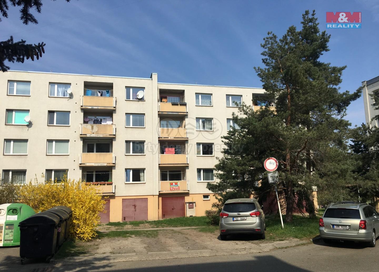 Pohled na dům (Prodej, byt 2+1, 66 m2, Praha 4 - Háje, ul. Starobylá), foto 1/18