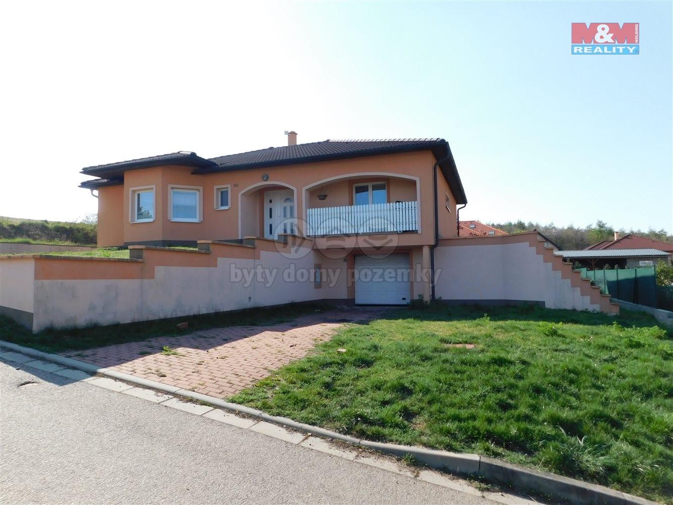 Prodej, rodinný dům 4+1, 1296 m2, Čučice