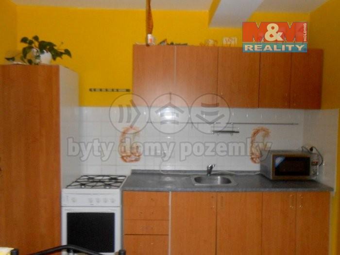 Pronájem, byt 2+1, Krnov, ul. Petrovická
