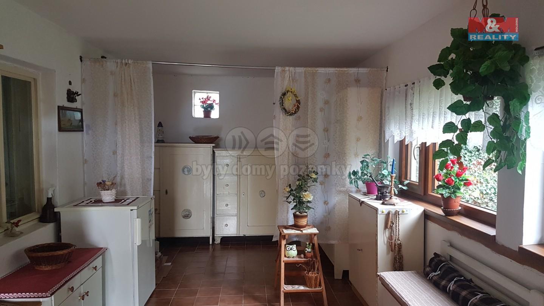 Prodej, rodinný dům 4+1, 770 m2, Újezd u Tišnova