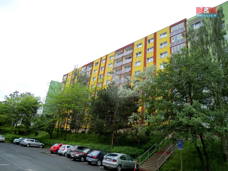 Pohled na dům (Prodej, byt 2+1, 62 m2, DV, Jirkov, ul. Pionýrů), foto 1/15