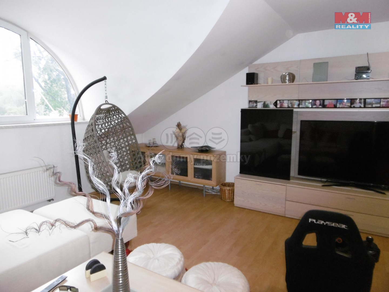 2. NP - byt - obývací pokoj