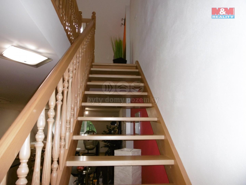 2. NP - byt - schodiště do ložnice
