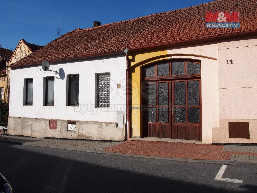 Prodej, rodinný dům 3+2, 1007 m2, Ivančice, ul. Na Volvách