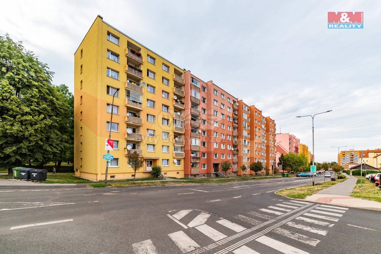 Pohled na dům (Prodej, byt 1+1, 39 m2, OV, Jirkov, ul. Smetanovy sady), foto 1/18