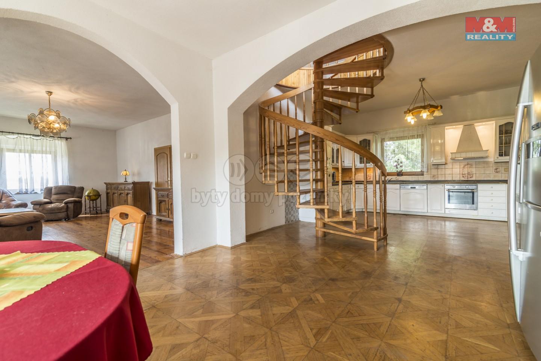 Prodej, rodinný dům 8+2, 660 m², Stojice