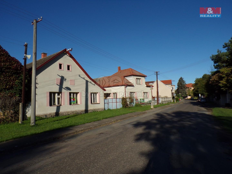 Prodej, rodinný dům, Hostovlice, dva domy
