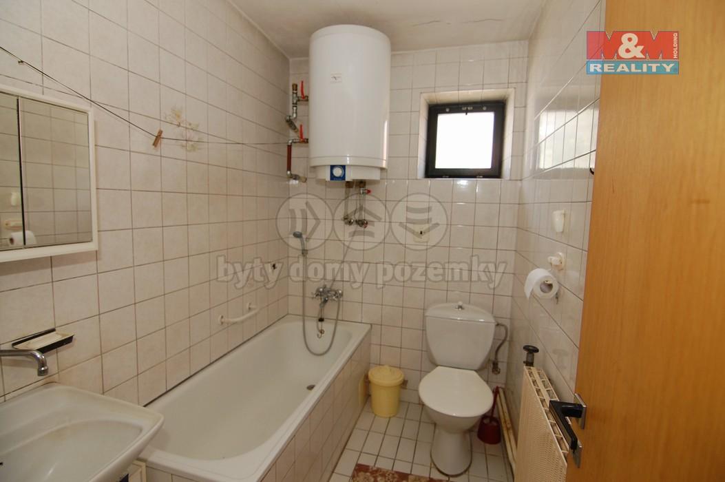 Koupelna v 1. NP